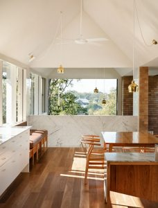 A Renovated 1930s Home Overlooking Brisbane River