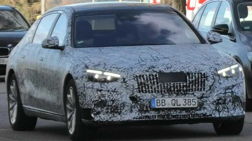 New Mercedes-Maybach S-Class Caught Looking Production-Ready