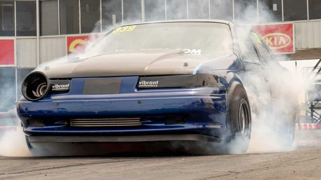 Old Taurus SHO Rips 8-Second Quarter-Mile, Launches Hood Into Space